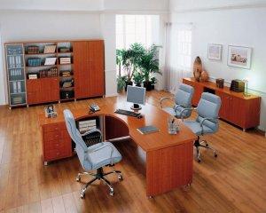 Достоинства и недостатки ламината для офиса + как не испортить ламинат колесиками офисных кресел