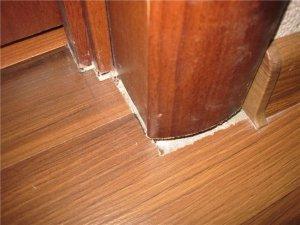 Какой должен быть зазор между ламинатом и стеной при укладке покрытия