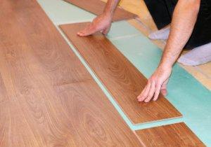 Какие требования предъявляются к поверхности + можно ли класть ламинат на плитку